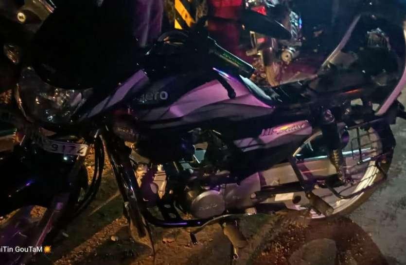 चोरी की बाइक सहित तीन गिरफ्तार, कट्टा-कारतूस जब्त