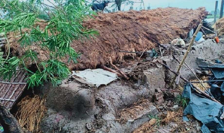 अम्फान के बाद बंगाल में मचा हुआ है हाहाकार