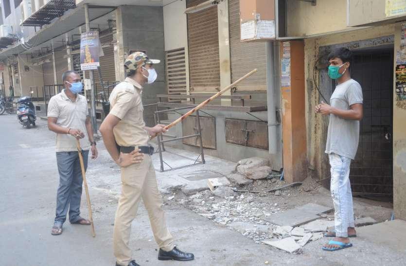 covid19 : महिधरपुरा में पुलिस ने हीरा बाजार बंद करवाया