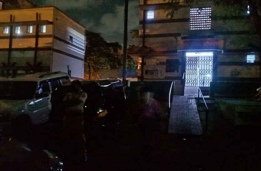 Mumbai Crime News : एम्बुलेंस के इंतजार में सात घंटे शौचालय में पड़ा रहा शव