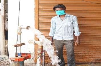 फोटोगैलरी : शहर में पेयजल व्यवस्था हैंडपंपों का किया जा रहा है संधारण
