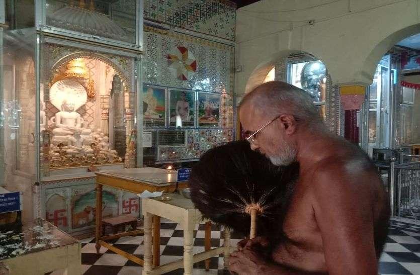 कोरोना फैलने के लिए हम भी जिम्मेदार, बाजार खुल रहे हैं तो मंदिर क्यों नहीं
