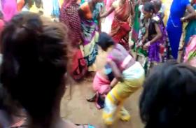 महिला को अर्द्धनग्न कर गांव में घुमाया, लगे हैं संगीन आरोप