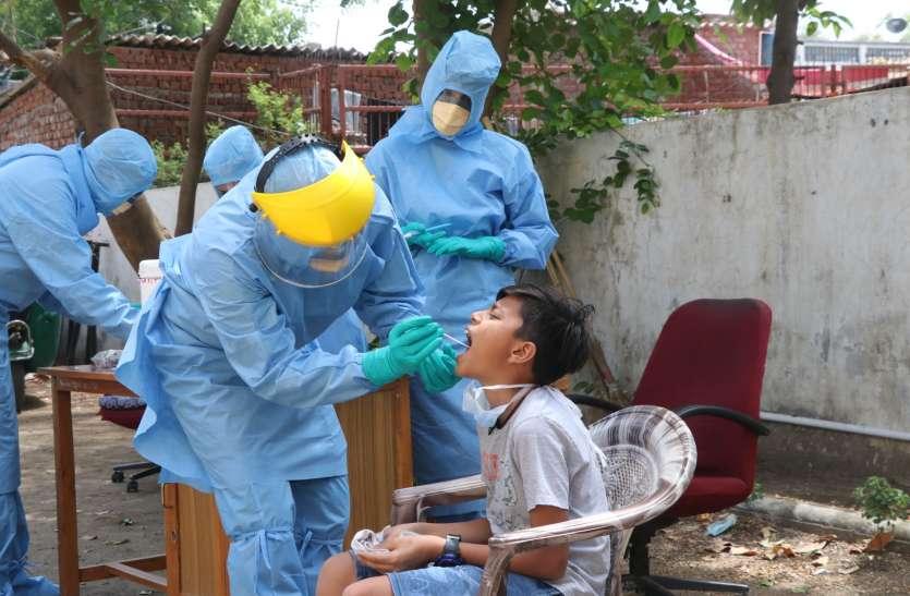 Coronavirus: मुंबई, दिल्ली के बाद अहमदाबाद दस हजार कोरोना पॉजिटिव वाला देश का तीसरा शहर
