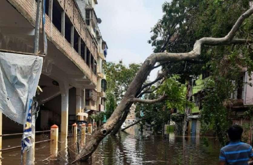 बंगाल में तूफान से 1.36 करोड़ प्रभावित, 10 लाख घरों को नुकसान, 86 मरे