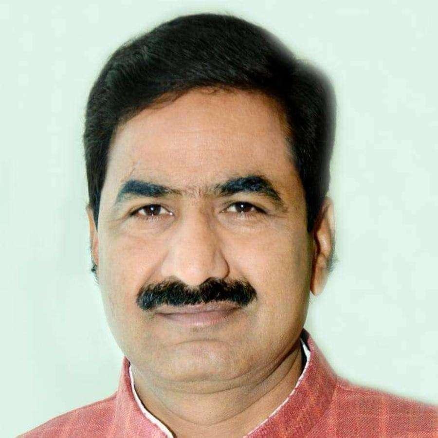 भाजपा विधायक वीरेंद्र रघुवंशी, कभी सिंधिया के रहे खास