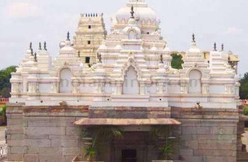 कुडलसंगम में ढाई महीने से मंदिर है बंद, व्यापारी परेशान