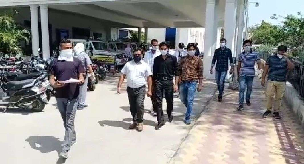 Army personnel in danger from Kovid-19 Center at Veterinary College