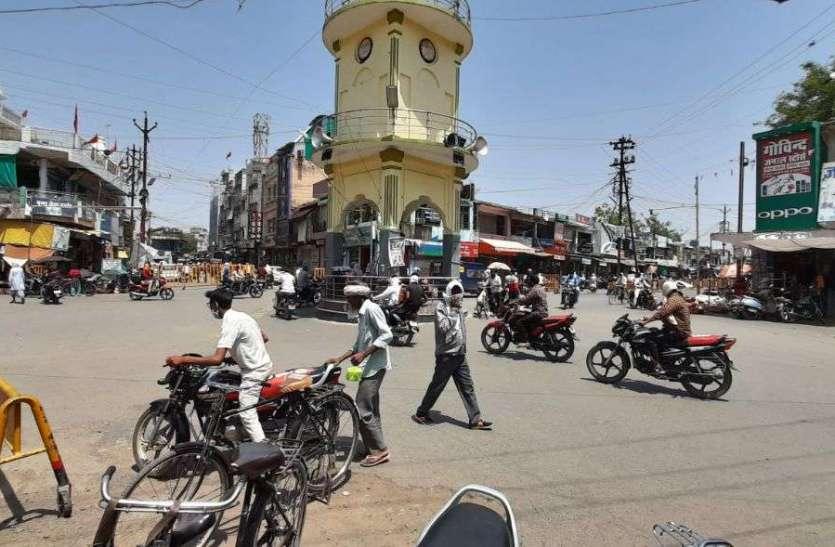 दुर्घटनाएं रोकने उमा मिस्त्री की तलैया से घंटाघर मार्ग वनवे