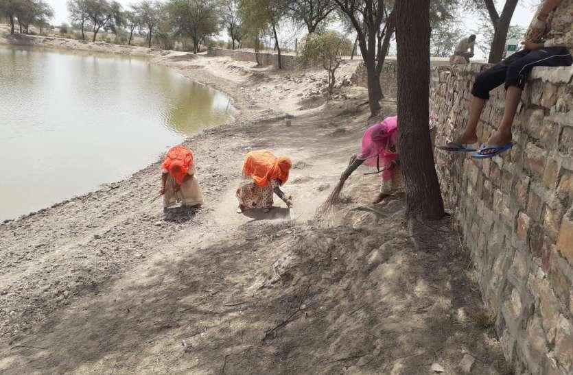 सवाल जल स्त्रोतों की दुर्दशा लिए जिम्मेदार कौन, जवाब प्रशासन