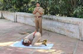Eid: ईदगाह में Head Constable असगर अली ने पढ़ी नमाज तो SHO राम शर्मा ने की प्रार्थना