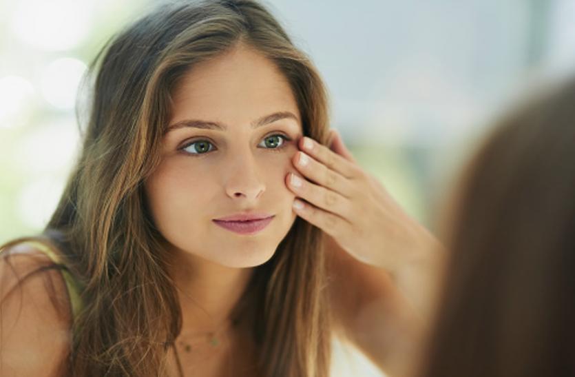 Skin Care Mistakes: आपकी त्वचा की रंगत खराब कर सकती है ये 5 गलतियां