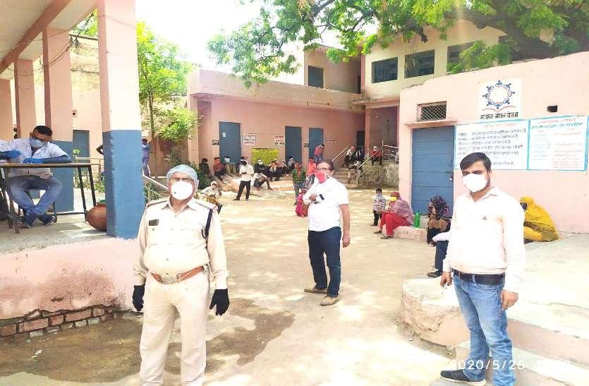 हॉट स्पॉट क्षेत्रों से आए 45 मजदूरों की सैंपलिंग, लोगों में संक्रमण को लेकर दहशत