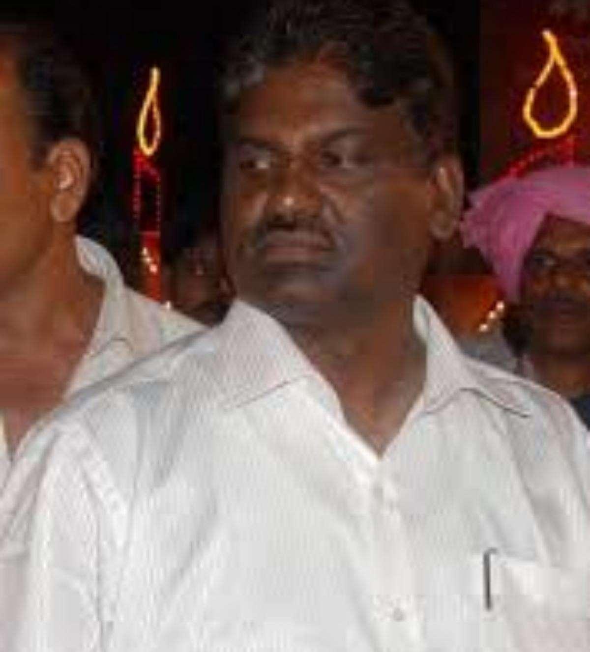 छह चुनाव के परंपरागत प्रतिद्वंद्वी दो डाॅक्टर्स की मुलाकात का क्या है सियासी राज!