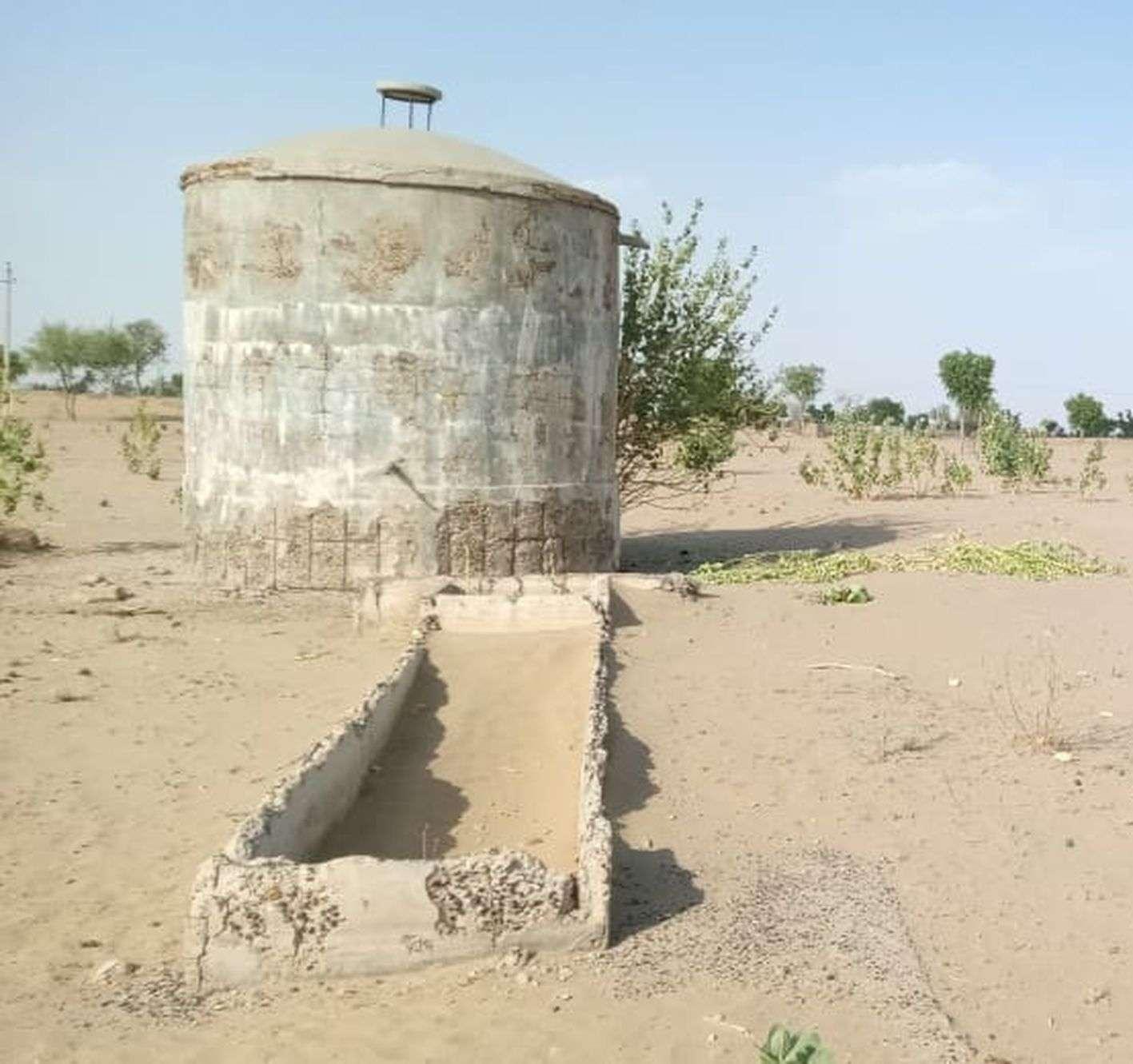 दस साल पहले बना गांव, सुविधाओं का नहीं नाम
