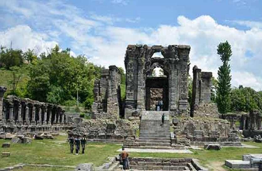 मार्तंड सूर्य मंदिर