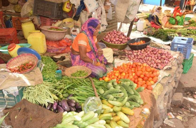 एक माह में 15 फीसदी घटी महंगाई, आधे हो गए फल सब्जी के दाम