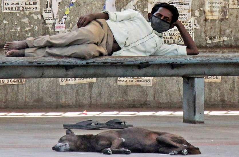 कर्नाटक में तीन दिन में मिले नौ सौ से अधिक मरीज, गुरुवार को चार की मौत