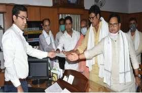 भाजपा की टॉप लीडरशिप ने मामले को कलक्टर को संभालने के लिए कहा