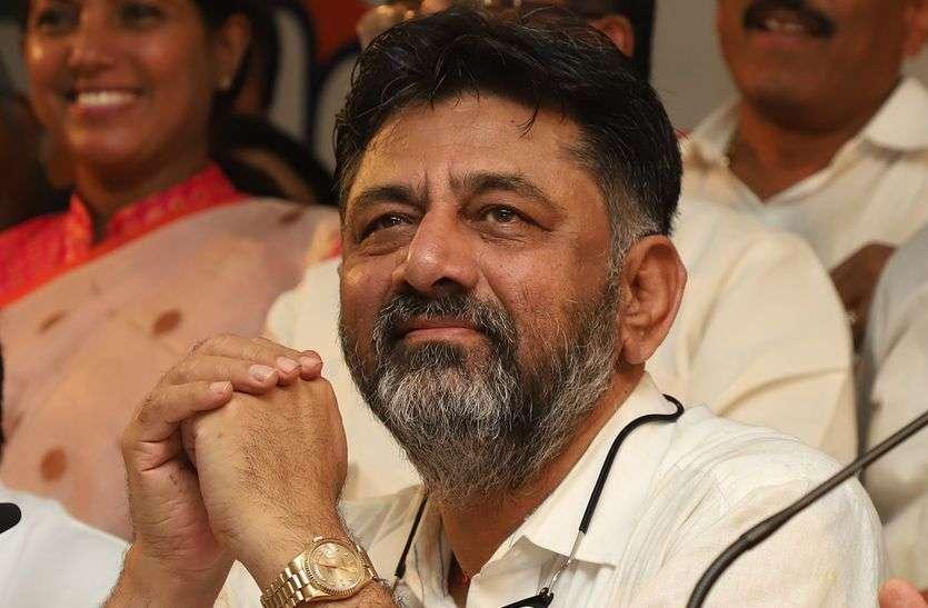 सियासी खींचतान के बीच कांग्रेस की 'घर वापसी'