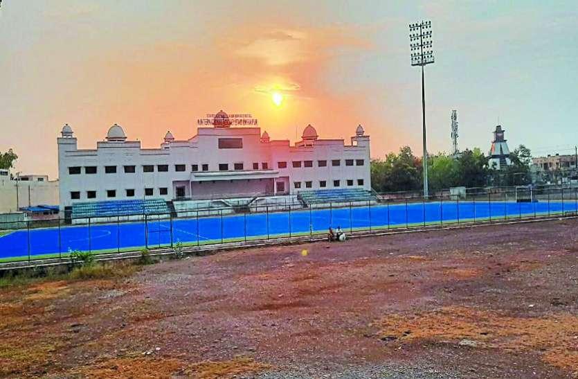 रायपुर: खेल विभाग के स्टेडियम अभी रहेंगे लॉक, निजी अकादमी संचालकों ने भी खींचे हाथ