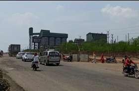 नगरीय क्षेत्र में प्रतिदिन हो रहे हैं हादसे, एजेंसी बिना ट्रैफिक डायवर्सन के कर रही निर्माण कार्य