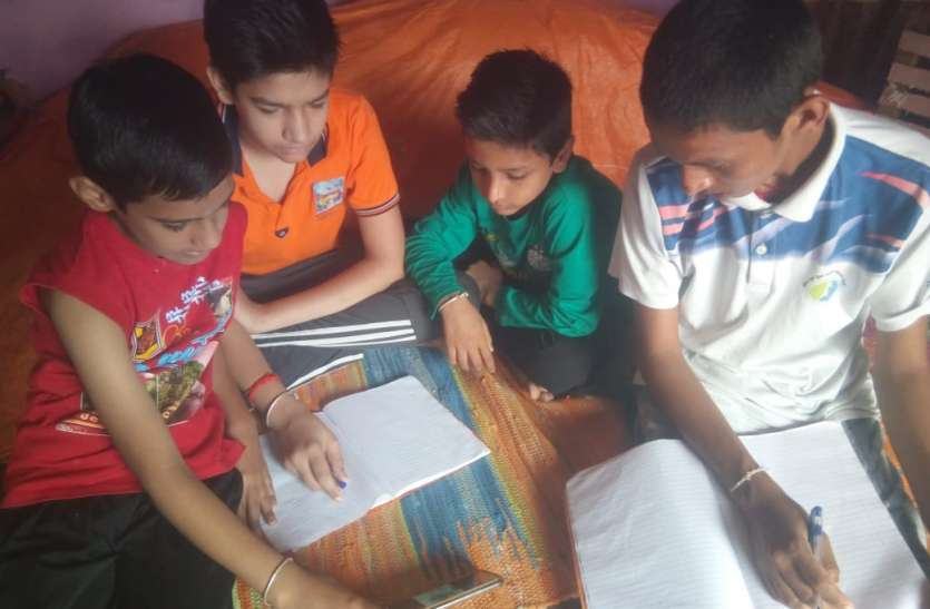 ऑनलाइन शिविर में बच्चे जान रहे संस्कार और संस्कृति