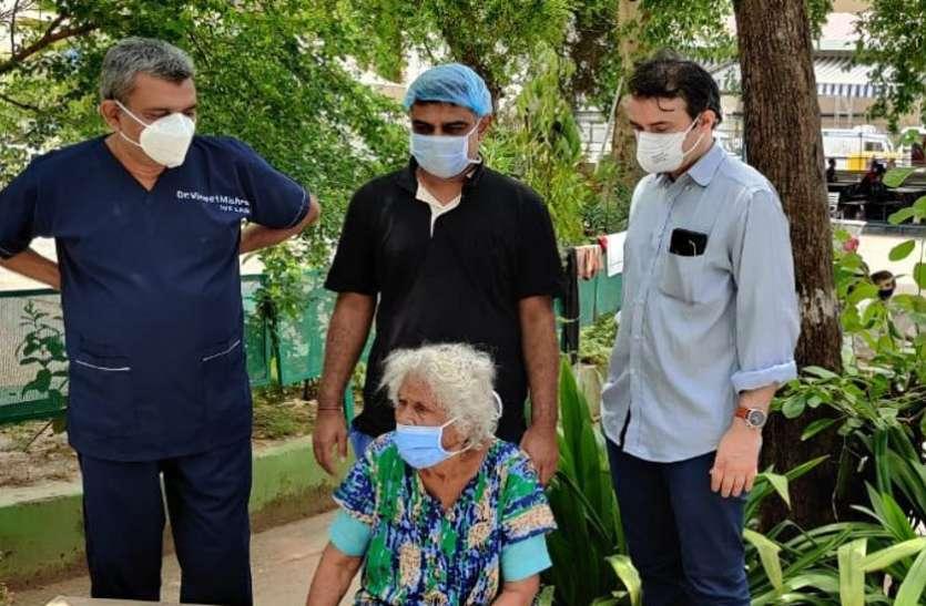 Ahmedabad : 90 की आयु में भी दे दी कोरोना मात