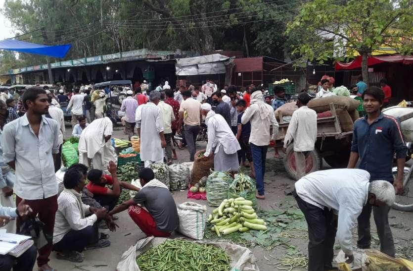 संक्रमण के खतरे के बीच इस जिले में लोगों ने खूब तोड़ा लॉकडाउन, भरा 2 कराेड़ का जुर्माना