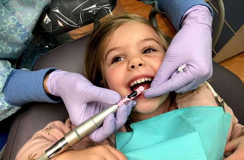 NEW TREATMENT : अब बच्चों के टेढ़े-मेढ़े दांतों का इलाज हुआ आसान