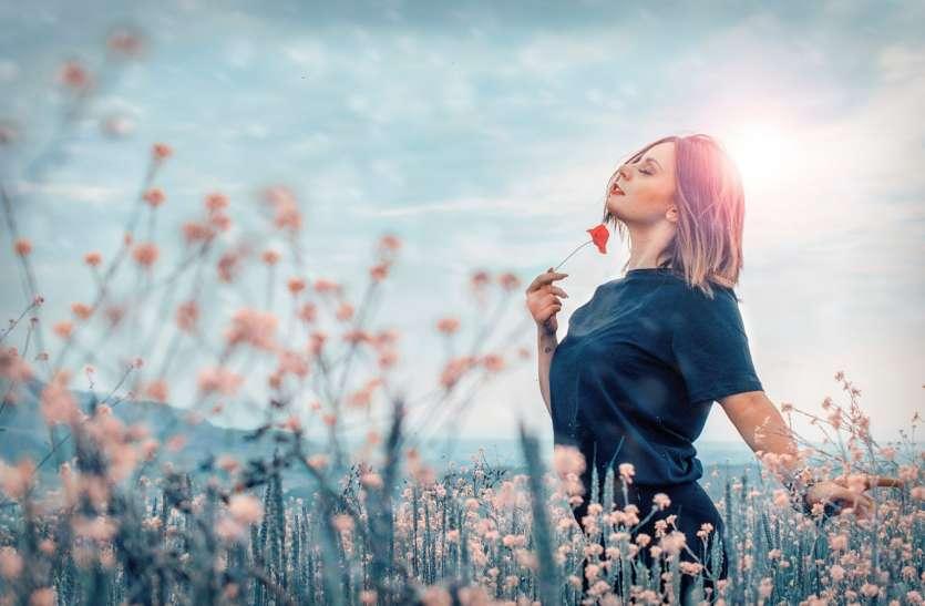 विज्ञान से जानिये क्यों कुछ खुश्बू हमें राहत देती हैं, सोने और शांत रहने में मदद करती हैं?