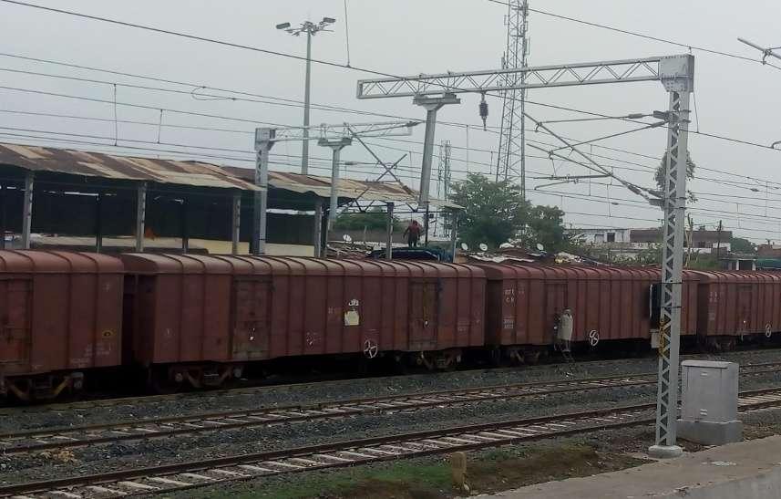Railway: किसानों को आ रही यह समस्या, रेलवे में इस वैकल्पिक व्यवस्था से होगी परेशानी दूर