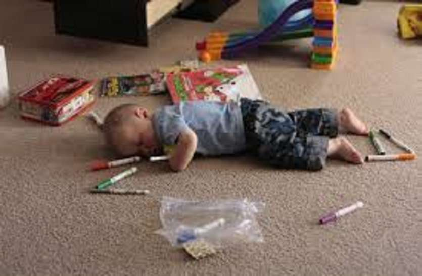 बच्चे को खेलते हुए थकान होती है तो लिक्विड डाइट पर्याप्त मात्रा में दें