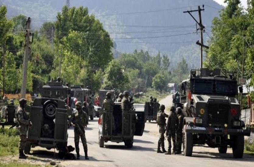 जम्मू-कश्मीर में कईं मोर्चों पर जंग लड़ रहे सुरक्षाबलों के जवान, हर दुश्मन को दी मात