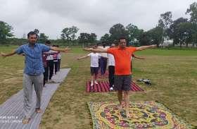 International Yoga Day: मोदी ने योग को दिलाया विश्वव्यापी स्वीकृित - दिलीप घोष
