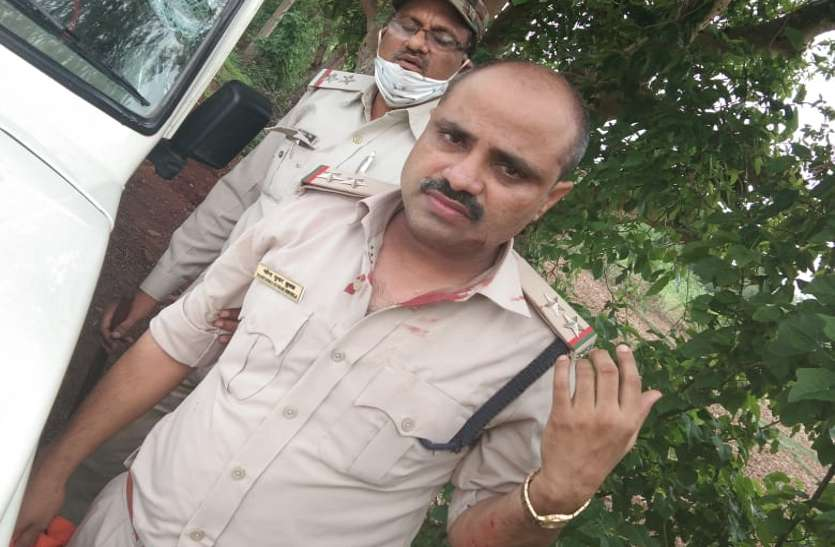 Marks of blood on the uniform of Excise Inspector Mahendra Shukla.