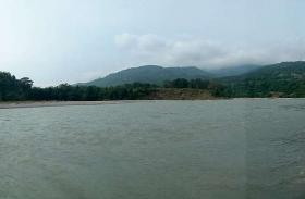 नेपाल में हो रही भारी बारिश ने बढ़ाई चिंता, सीमावर्ती इलाकों में बनने लगे बाढ़ से हालात