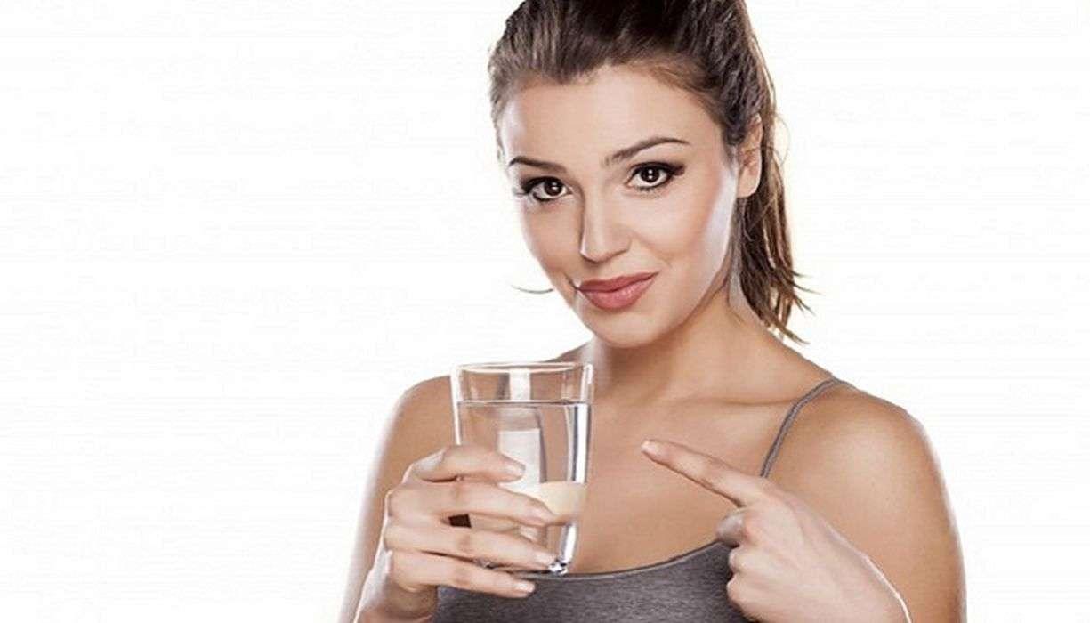 सुबह उठते ही खाली पेट पिएं गर्म पानी, मिलेंगे ये हैरान करने वाले फायदे