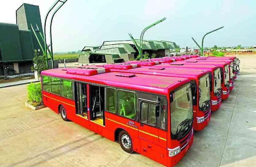 रायपुर में लॉकडाउन के बाद थमे बसों के पहिए, यात्रियों की बढ़ी मुश्किलें
