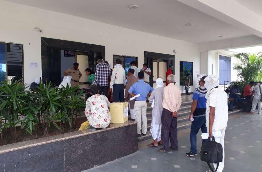 राज्य सभा चुनाव में शामिल रीवा के 8 विधायक भी आइसोलेट, गिरीश गौतम का लिया सैंपल