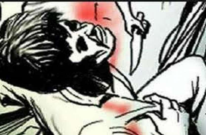 LOVE AFFAIR : पत्नी से अवैध संबंध की आशंका में पडोसी पर जानलेवा हमला