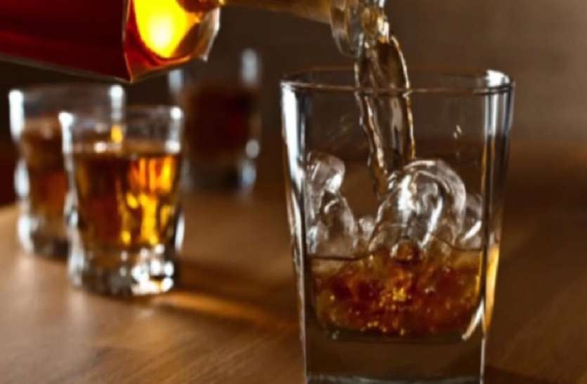 नए साल का स्वागत करना है, तो क्यों न शराब दुकान ही ले आएं घर!