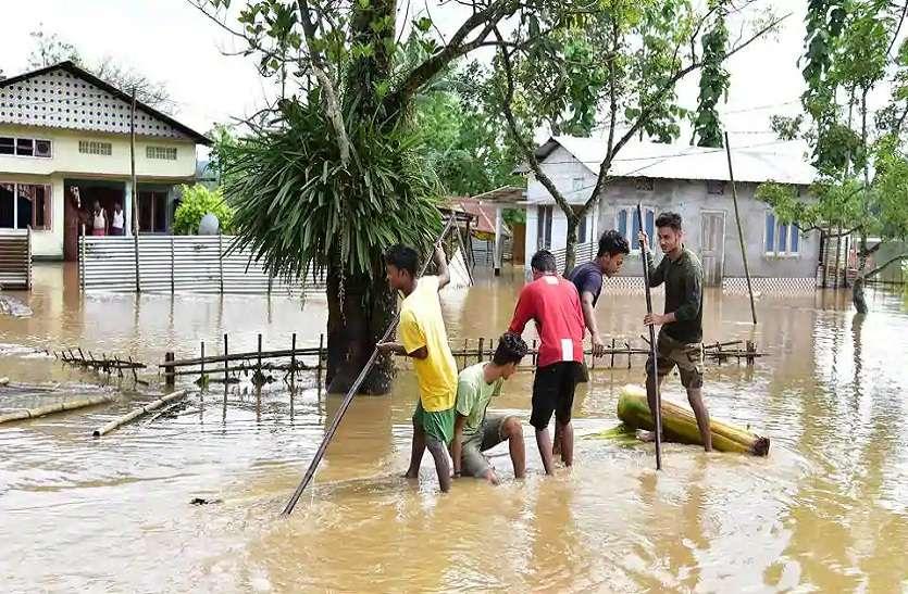 असम में बिगड़ रही है बाढ़ की स्थिति, अब तक 16 मरे और ढाई लाख प्रभावित