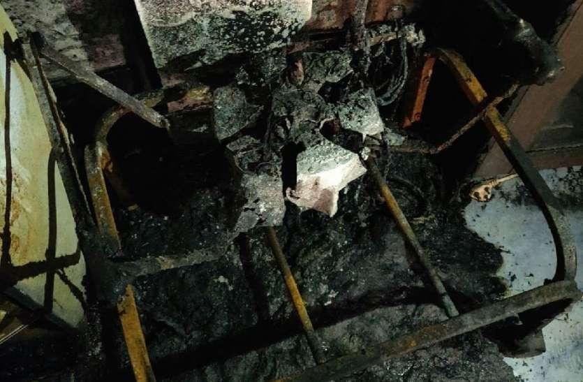 शॉर्ट सर्किट से गैस एजेंसी में लगी आग, खाक हुए सामान
