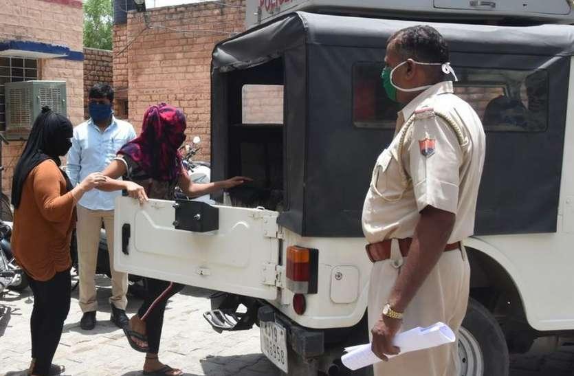 देह व्यापार के लिए दिल्ली से आई दो युवतियां गिरफ्तार