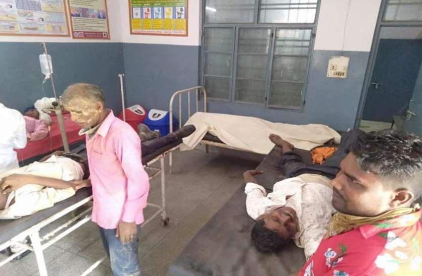 Bijnor: बारातियों से भरी मैक्स कार हुई हादसे का शिकार, 2 की मौत, 5 घायल
