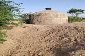 इस गांव में नहीं आता पानी, पढि़ए आखिर कैसे ग्रामीण बुझाते है अपनी प्यास