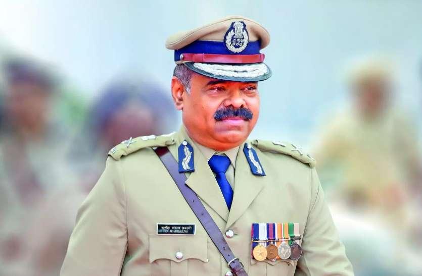 DGP डीएम अवस्थी हुए हाईकोर्ट में पेश,स्टेट बार काउंसिल की पूर्व सचिव की गिरफ्तारी पर स्वीकारी गलती