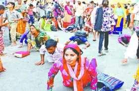 मथुरा में गुरु पूर्णिमा पर पांच संतों ने शोभायात्रा निकाल बचा ली परम्परा