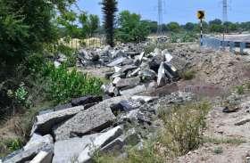 बर्ड विलेज मेनार तालाब पर संकट के बादल , पानी आवक के रास्ते बाधित
